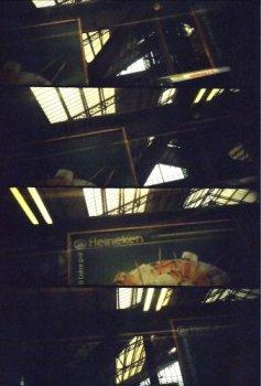 photo lomographie, encore une qui n'est pas � sa place : le metro � Paris, gare d' austerlitz